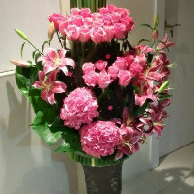 Flower arrangement for new opening shop